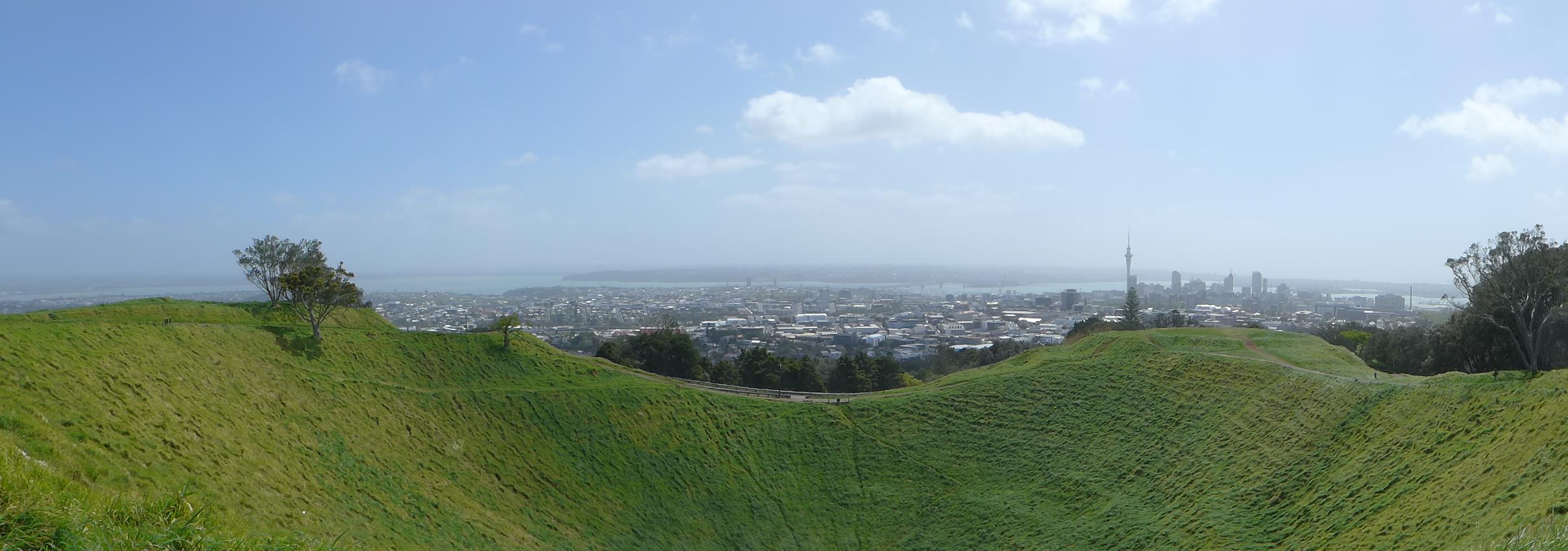 Auckland von oben - nicht nur weit war's, es gab auch genug Höhenmeter